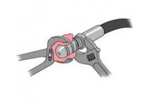 Как снять каналопромывочную форсунку со шланга прочистки ?