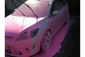 Как выглядит активная пена для мойки авто розового цвета